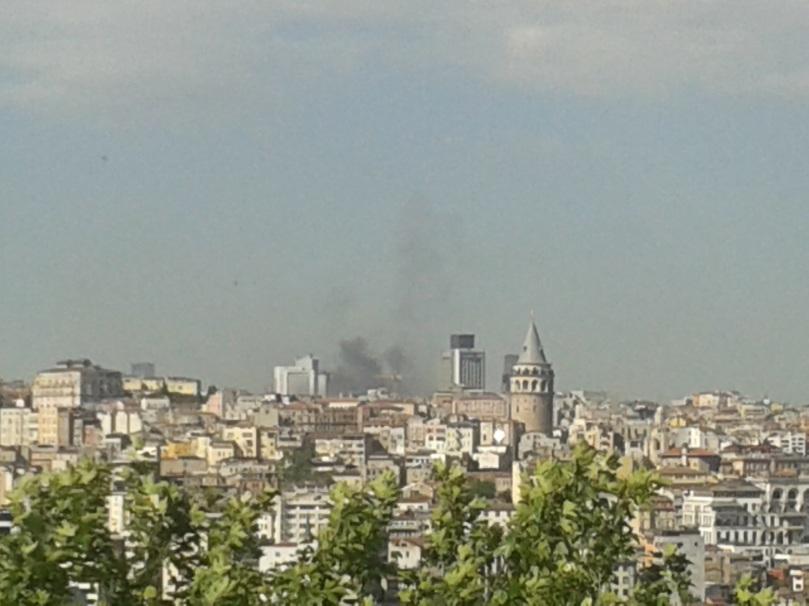 Rauch über dem Taksim