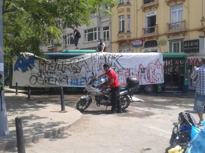 AKP ins Grab, das Volk an die Macht